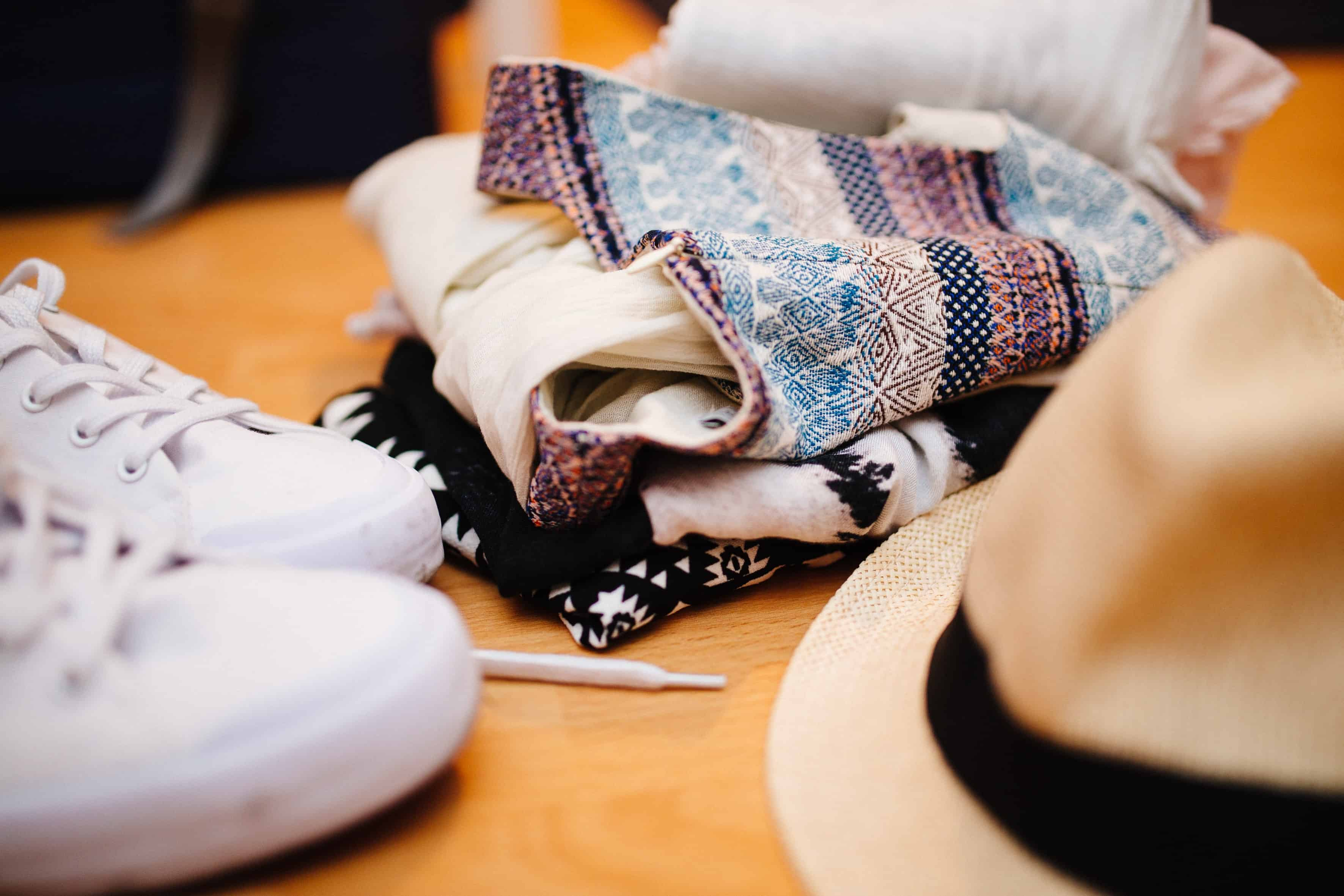 Guest Post – 5 Tips for cashing in on your old clothes and clutter with eBay