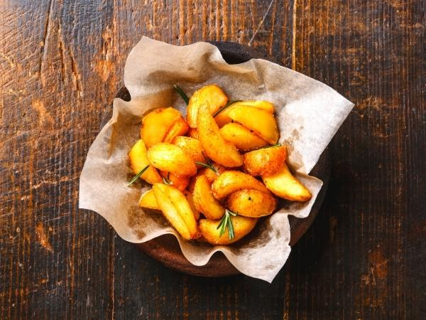 les pommes de terre épicées sont sur certains de mes plans de repas